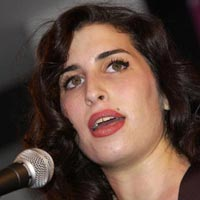 Amy Winehouse Album Sales Boosted After Sudden Death