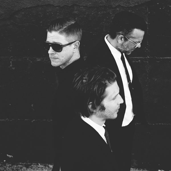 Premiere: Interpol unveil making of El Pintor video