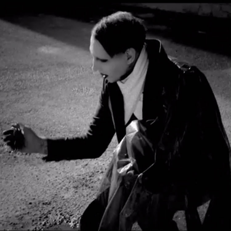 Marilyn Manson releases The Mephistopheles of Los Angeles Video