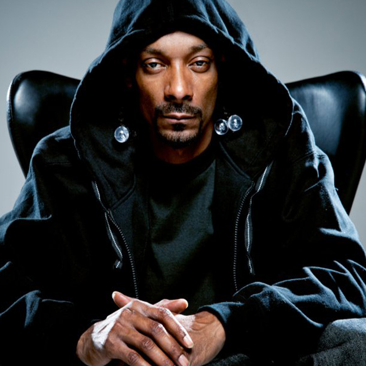 Snoop Dogg to induct Tupac into Rock'n'Roll Hall Of Fame