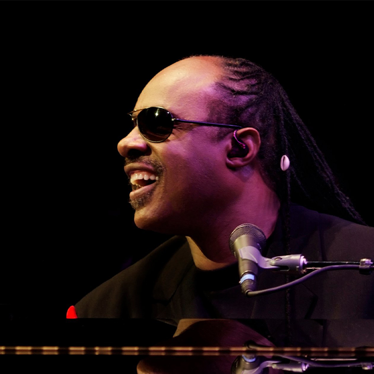 Stevie Wonder takes the knee NFL players Donald Trump