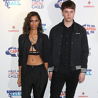 AlunaGeorge perform secret street show after Glastonbury debut