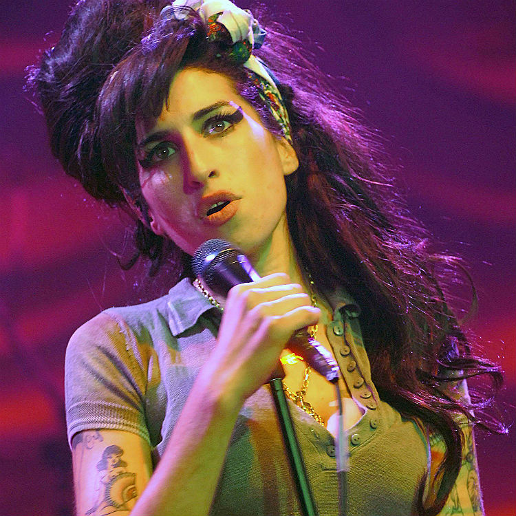 Amy Winehouse Foundation cover Back To Black 10th anniversary