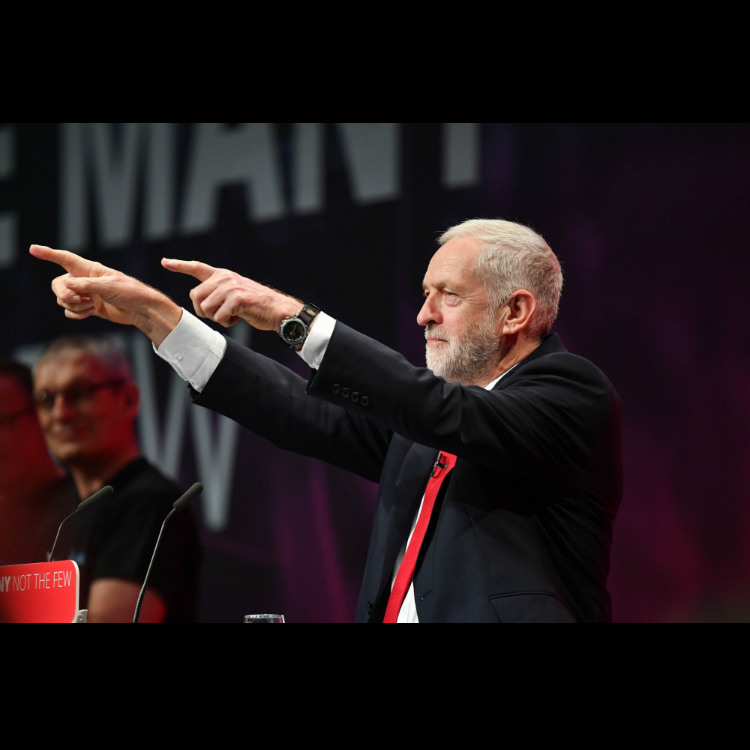 Jeremy Corbyn gets behind Wolf Alice in chart battle with Shania Twain