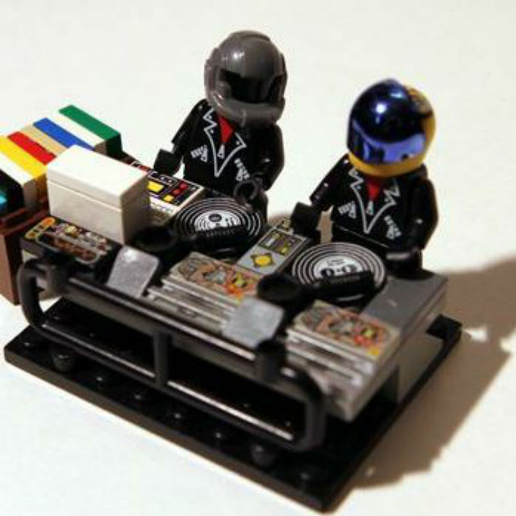 Someone buy us these Daft Punk Legos for Christmas - thanks | Gigwise