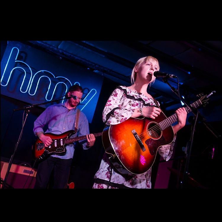 Live review Laura Marling, HMV 363 Oxford Street, London 08/03/17