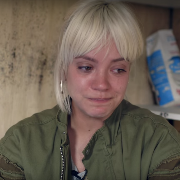 Lily Allen deletes Finsbury Park tweets after receiving abusive messag