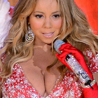 Photos: Mariah Carey and her Christmas breasts perform in New York ...