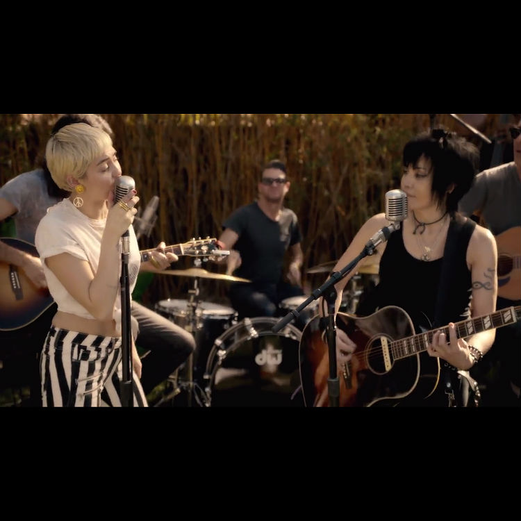 Watch Miley Cyrus and Joan Jett perform 'Different'