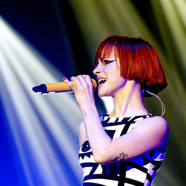 Paramore's Hayley Williams to focus on releasing hair dye ...