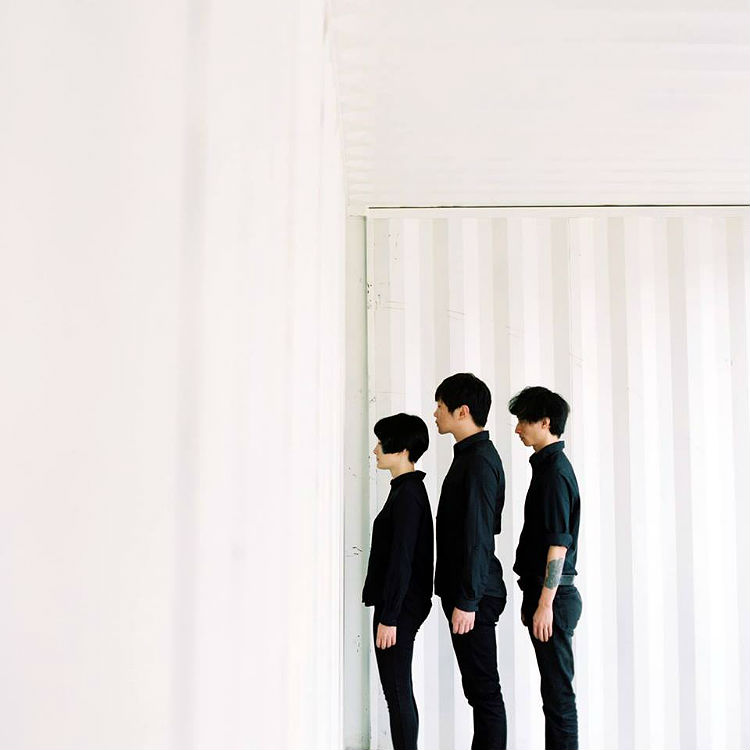 China's best re-tros band new album hua dong interview modern sky