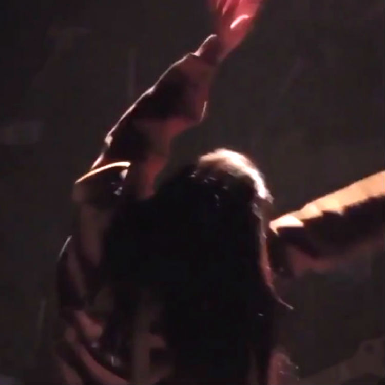 Rihanna bad dancing vine video on world tour