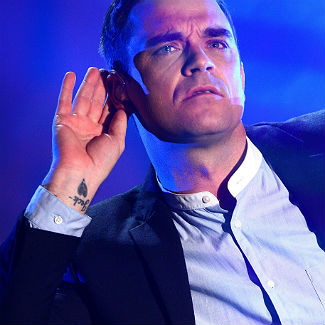 Robbie Williams hits out at Nicole 'S**tzinger' after 'Gary Bore-low' insult