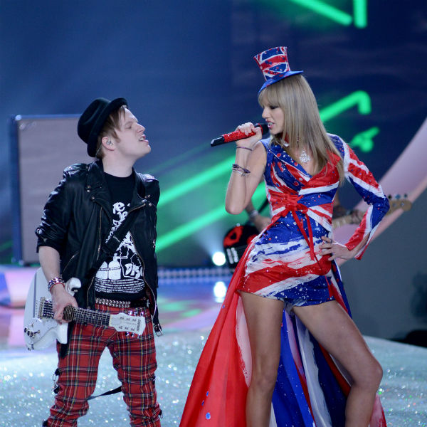 Fall Out Boy Perform With Taylor Swift On Victoria S