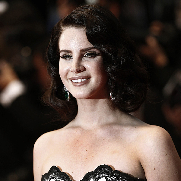 Lana Del Rey Cut Her Hair Latest News Lanaboards Lana Del Rey Forum
