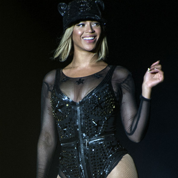 Beyonce Performs XO For The First Time At Chicago Show