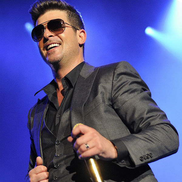 5 Universities ban Robin Thicke's 'Blurred Lines'