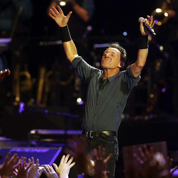 Bruce Springsteen shouts out wrong state at US gig. Audience corrects him