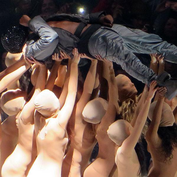 Kanye West postpones Australian tour dates to work on new album