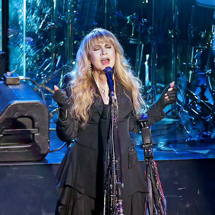 Fleetwood Mac Rumours for Glastonbury, Eavis says they charge too much