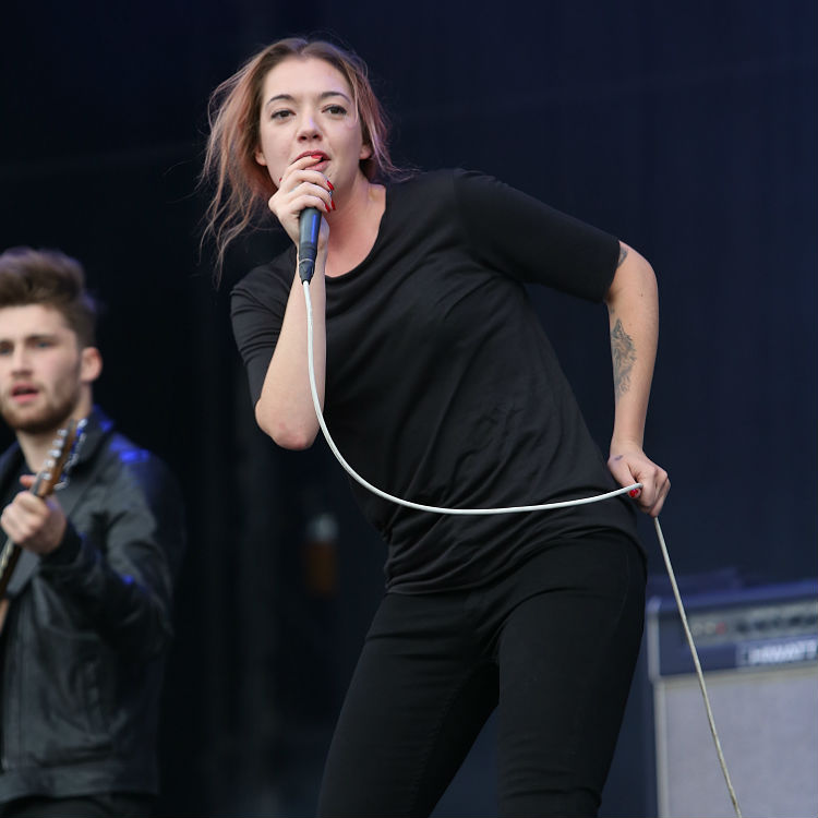 Marmozets defend Lauren Mayberry over misogyny