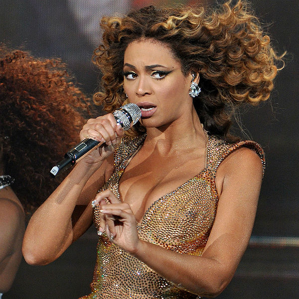 Beyonce Eyes Turn Black The dark side o...