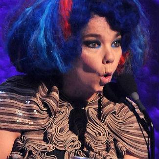 R.Kelly tops Pitchfork Festival headline slot alongside Bjork