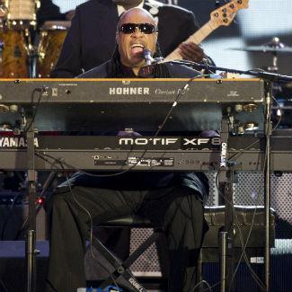 Headliner Stevie Wonder closes Bestival 2012