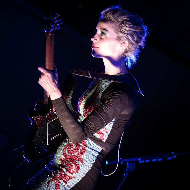 St Vincent will release signature guitar line