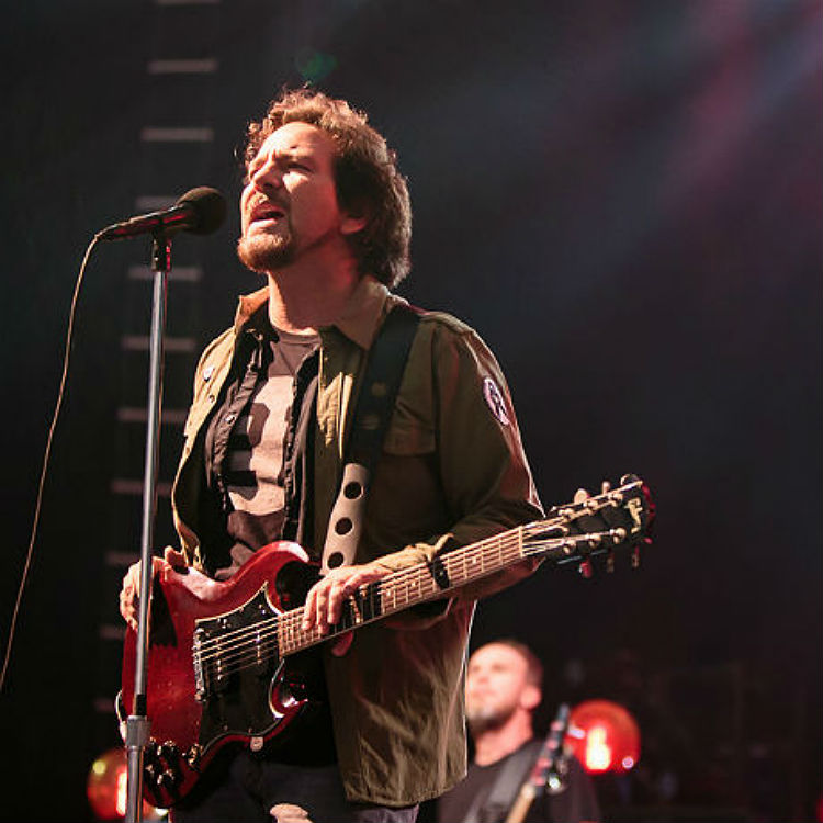 Watch: Eddie Vedder perform at Obama's final address