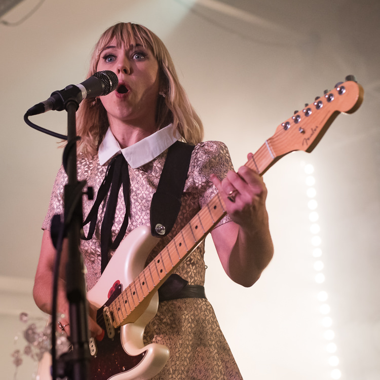 19 beautiful photos of The Joy Formidable at London's Oval Space