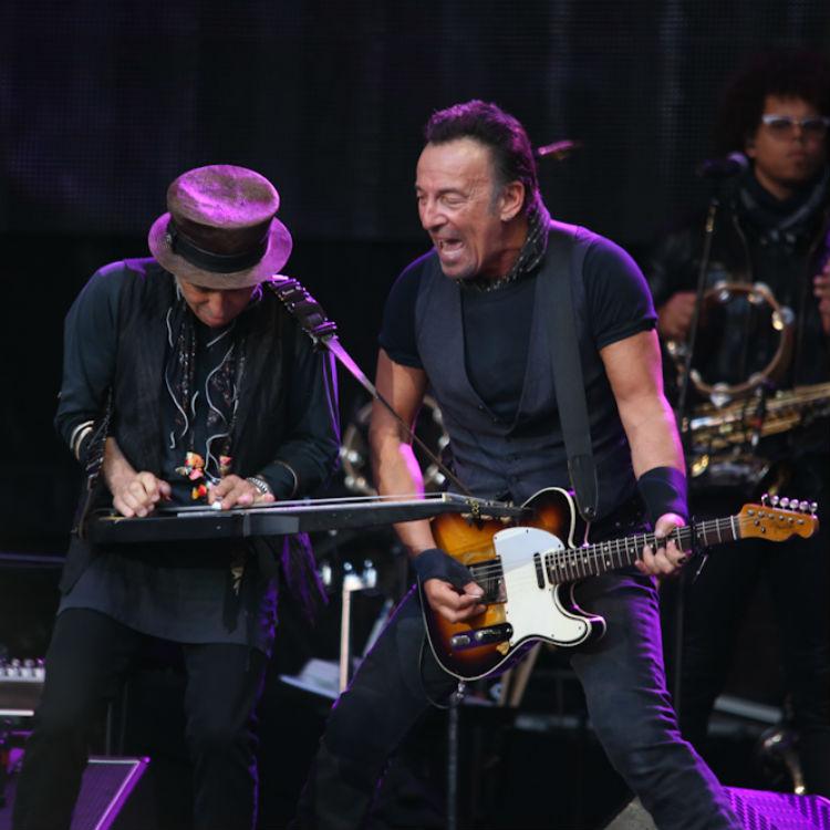 Bruce Springsteen Wembley Stadium photos, setlist