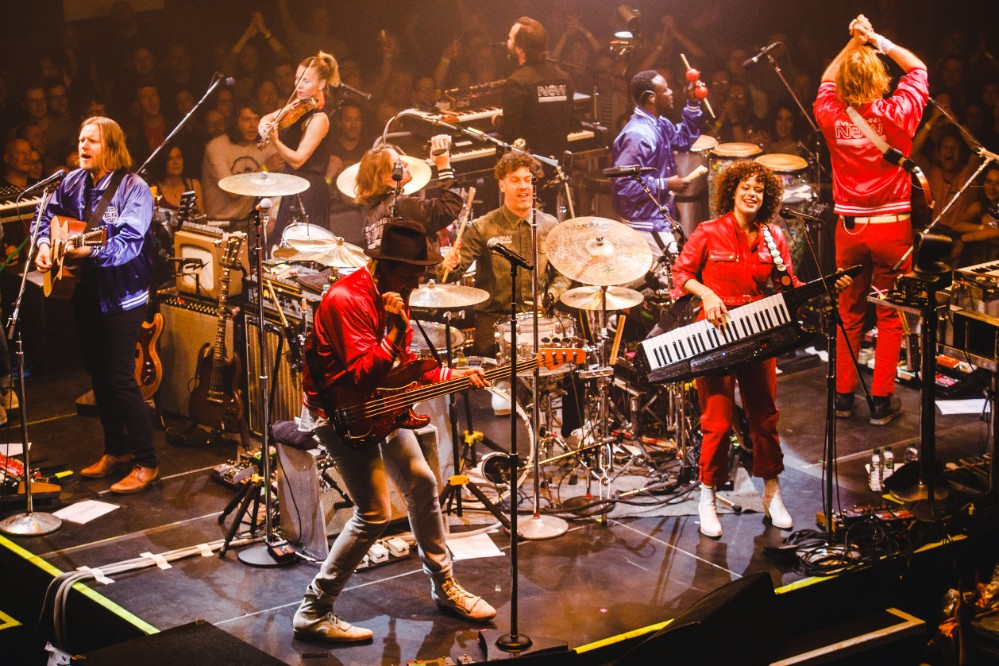 live review arcade fire at the baths hall scunthorpe 07. Black Bedroom Furniture Sets. Home Design Ideas