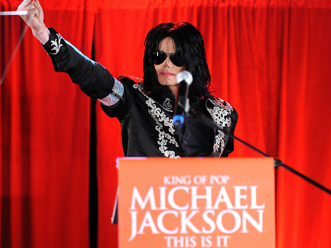 The 11 Most Iconic Moments Of Michael Jackson S Career Gigwise