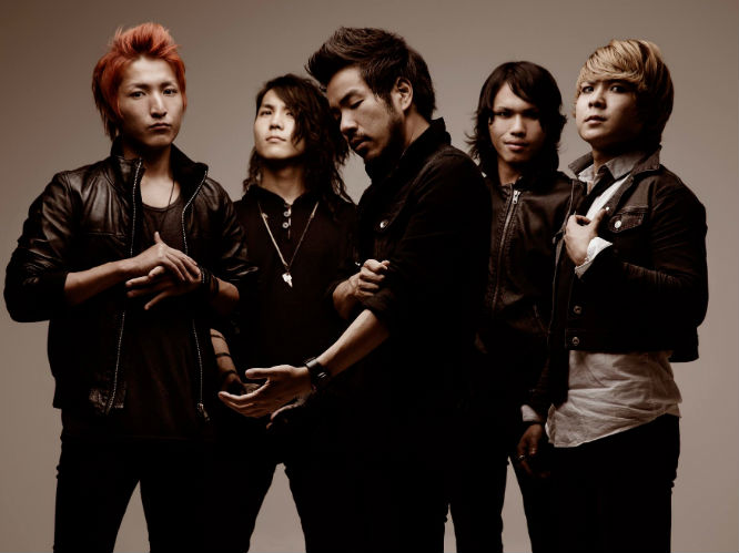 Crossfaith Already A Favourite On The UK Touring Scene Due To Their High Octane Live Show Crossfaiths Japanese Metalcore Meets Electronica Has Seen Them