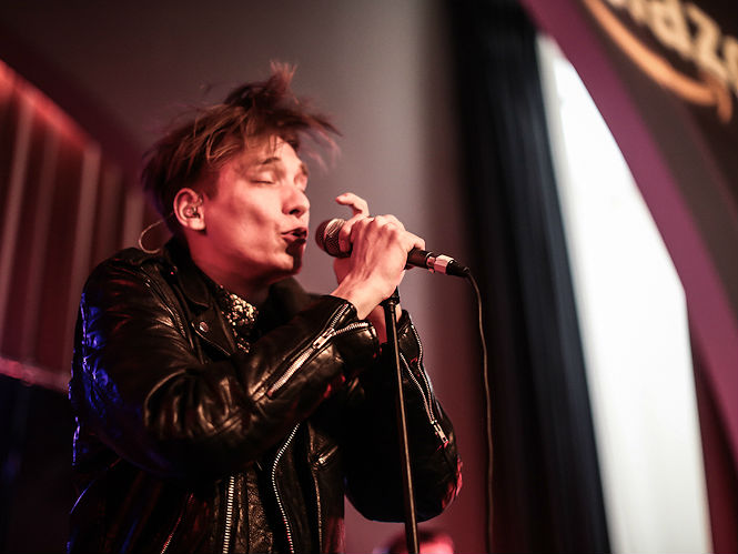 thomas azier 39 clubs like berghain were school for me 39 gigwise. Black Bedroom Furniture Sets. Home Design Ideas