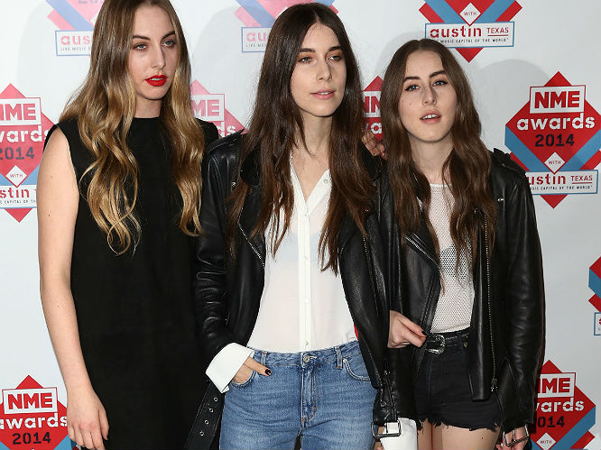 Nme Awards Red Carpet Brody Dalle Blondie Metronomy And More Gigwise