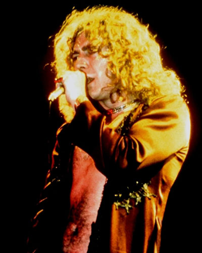 robert plant photographed recently - 400×500