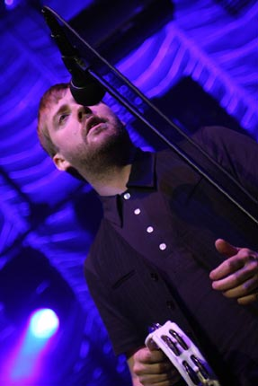 Peter Kay Saves Kaiser Chiefs Gig With Impromptu Comedy
