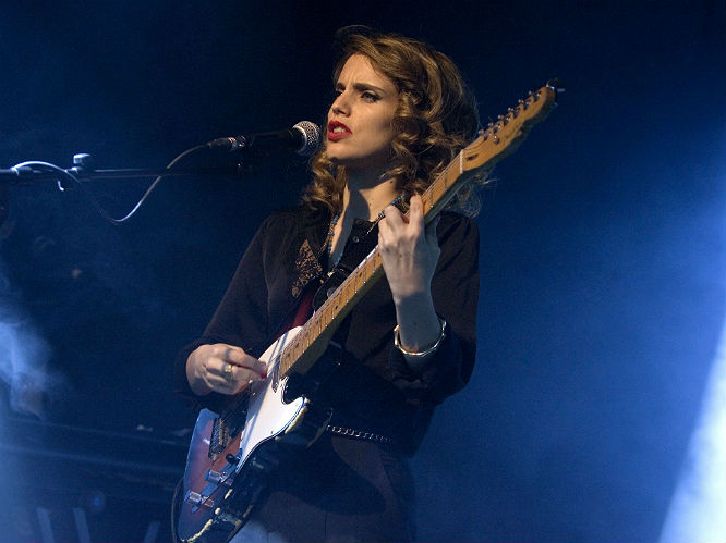 Anna Calvi I Taught Myself Guitar Told Interpols Paul Banks A Few Years Back Listened To Lot Of Guitarists Jimi Hendrix